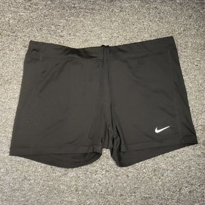 💎 Like new Women's Nike active shorts size L